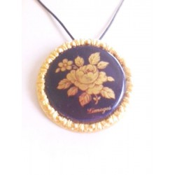 LIMOGES MEDALLION / BROOCH IN PORCELAIN DECORATION LA ROSE COLOR OVEN BLUE GOLD