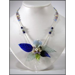 LEAF AND ORHIDAL NECKLACE IN BLUE CRYSTAL