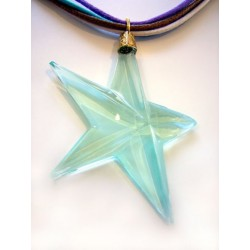 MULTI-RANGE CHECK NECKLACE WITH ACUTE STAR