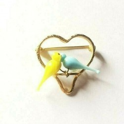 HEART BROOCH TWO LITTLE CRYSTAL DOVES