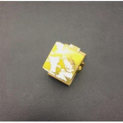 FLAT SQUARE CRYSTAL RING 16/16 MM YELLOW