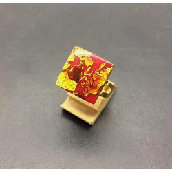 FLAT SQUARE CRYSTAL RING 16X16 MM RED