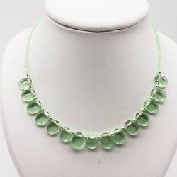 LITTLE GREEN TONGUE GLASS NECKLACE