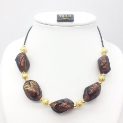 beautiful choker with murano glass beads