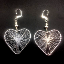 BRAIDED THREAD HEART EARRING