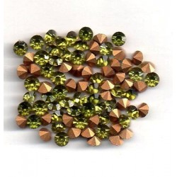 50 STRASS ROND A CULOT PP28 - 3,5 MM LIGHT OLIVINE