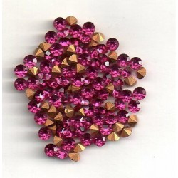 50 ROUND STRASS WITH PANELS PP28 - 3,5 MM FUCHSIA