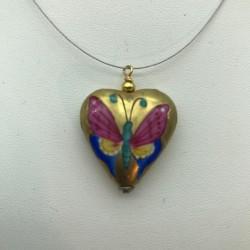 Sublime médaillon en forme de coeur et son papillon peint à la main