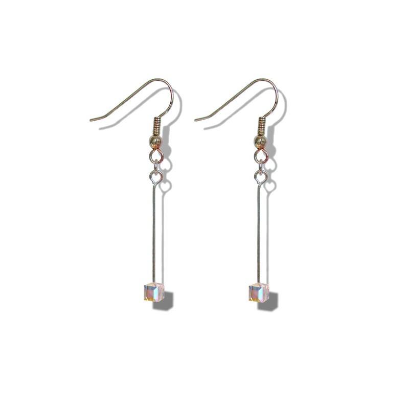 Boucles d'oreilles pendantes avec un petit cube aurore boréale en cristal de Swarovski - Clips - Dormeuses - Bijoux