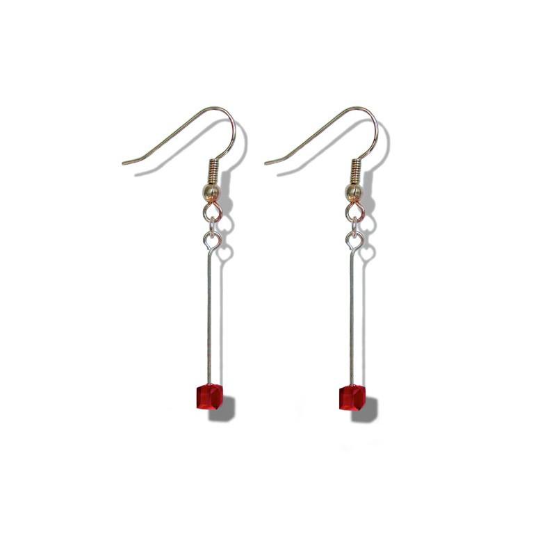 Boucles d'oreilles pendantes avec un petit cube siam en cristal de Swarovski - Clips - Dormeuses - Bijoux