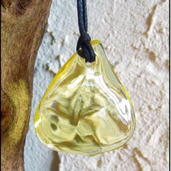 Stylized leaf pendant in CITRINE color crystal
