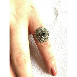 OLD STRASS RING SHAPED DOME CRYSTAL AND SAHIR ADJUSTABLE RING
