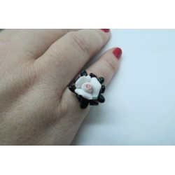 PINK RING IN BLACK AND WHITE CRYSTAL AND PORCELAIN